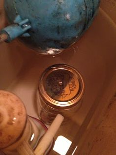 The DIY Guinea Pig: No Scrub Toilet Bowl Cleaner. Mason jar full of vinegar with holes in the lid. Put in the toilet tank and it cleans with every flush! Diy Cleaners, Cleaners Homemade, Vinegar In Toilet Tank, Cleaning Solutions, Cleaning Hacks, Cleaning Crew, Cleaning Supplies, Toilet Cleaning, Toilet Bowl