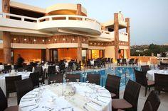 Δεξίωση γάμου δίπλα στην Θάλασσα. Πολυτελής αίθουσα με πισίνα για γάμους και βαπτίσεις. Ktimata gamou