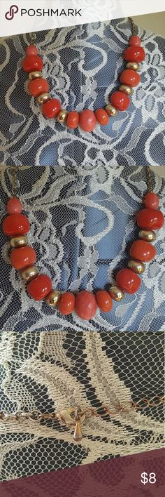 Beaded necklace Adjustable Chain  Super cute In Great condition Jewelry Necklaces