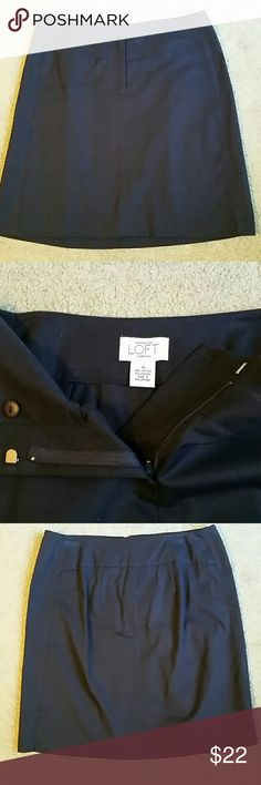 """Ann Taylor Loft Sz 0 skirt! In great condition. Worn 2 times at most. About 17"""" long.  No flaws! Make an offer! Ann Taylor Skirts"""