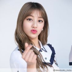 Is it just me or is Jihyo getting prettier and prettier each day. I love Jihyo so much and i really hope she's having a fast recovery hope to see you soon! Nayeon, Mamamoo, Got7, Park Ji Soo, Twice Group, Twice Korean, Kim Hyoyeon, Sana Momo, Jihyo Twice