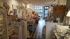 Foto - GoogleFotos Vintage Stores, Your Photos, Vanity, Organization, Photo And Video, Mirror, Google, Furniture, Home Decor