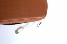 Triple C | Charging Wallet