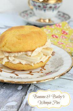 Golden Irish Cream and Banana Whoopie Pies