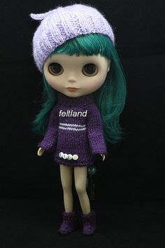 Blythe Doll /// the next knockoff blythe doll I work on has to have green hair, I've made my decision.