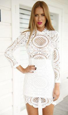 https://mohho.pl/pl/p/Sukienka-koronkowa-biala-sexy-elegancka-/4146