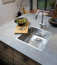 Reginox New York Stainless Steel Single Bowl Sink with Integral Waste - 3 Way Fit 50 x Lowest price guaranteed. In stock: Delivery Next Day. Stainless Steel Polish, Stainless Steel Sinks, Stainless Steel Material, Kitchen World, New Kitchen, Inset Sink, Single Bowl Kitchen Sink, Large Tray, Traditional Kitchen