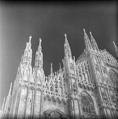 milan, italy  may 1959    milan cathedral