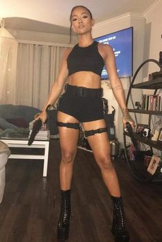 21 Best Sexy Halloween Costumes For Hot Girls – Halloween - Mode Meme Costume, Costume Hollywood, Black Halloween Costumes, Women Halloween, Halloween Makeup, Halloween Halloween, Halloween Recipe, Halloween Inspo, Black Costume