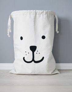 Bear fabric bag storage of toys books or teddy bears – Kids interior | www.tellkiddo.com