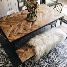 Source: Interior Barn Doors This chevron wood design is the perfect way to add a rustic touch to your dining area. Diy Esstisch, Diy Dining Table, Rustic Table, Outdoor Dining, Diy Wood Table, Dining Area, Dinning Table Design, Diy Table Top, Timber Table