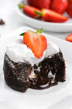 Chocolate molten lava cake made in the instant pot. Chocolate molten lava cake made in the instant pot. Decadent Chocolate Cake, Chocolate Lava Cake, Homemade Chocolate, Chocolate Recipes, Nutella Recipes, Delicious Chocolate, Nutella Lava Cake, Molten Lava Cakes, Lava Cake Recipes