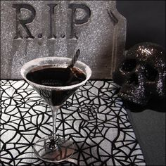 Black Widow Martini #drinks #cocktails #drinkrecipes