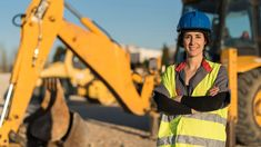 Number of women in construction continues to grow in B.C., survey finds - constructconnect.com Job Satisfaction, Construction Jobs, Work Site, Career Options, Changing Jobs, National Association, Hard Hats, Risk Management, Going To Work