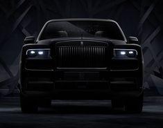 "Rolls-Royce unveiled the ""King of the Night"" the black badge trim of Cullinan. What's Black Badge? Rolls Royce Black, Rolls Royce Cars, Motor V12, Rolls Royce Cullinan, V12 Engine, Luxury Marketing, Suv Cars, Geneva Motor Show, Luxury Suv"