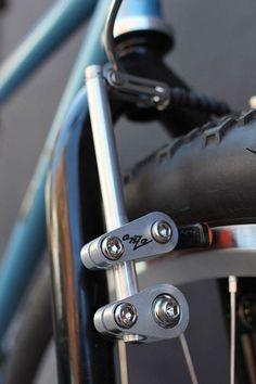 "The Bike of the Week, a ""Vintage"" steel mountain bike, made in Colorado by Lennard Zinn Cool Bicycles, Cool Bikes, Pimp Your Bike, Vintage Bicycle Parts, Range Velo, Bike Details, Push Bikes, Bicycle Brakes, Speed Bike"
