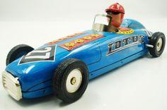 Coche de hojalata de carreras azul