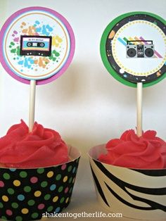 party BIG REVEAL - food, decorations, make-up, photo station & more! Eighties Party, 80s Party Decorations, Decade Party, Birthday Party Themes, Birthday Ideas, 35th Birthday, Sweet Sixteen Parties, Retro Party, Anniversary Parties