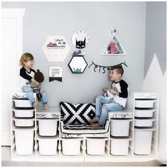 Stylish children's wardrobes and child's closet ideas for the perfect kid's bedroom storage inspiration. Not just for dress up! Stylish children's wardrobes and child's closet ideas for the perfect kid's bedroom storage inspiration. Not just for dress up! Bedroom Storage Inspiration, Bedroom Storage Ideas For Clothes, Bedroom Storage For Small Rooms, Closet Ideas, Small Bedrooms, Ikea Toy Storage, Storage Hacks, Closet Storage, Toy Organizer Ikea