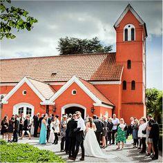 2a944fb9425a Hvad koster et bryllup  Sådan fik vi vores drømmebryllup til en god ...