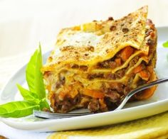 Easy lasagna recipe! #food #recipes #family www.womensforum.com