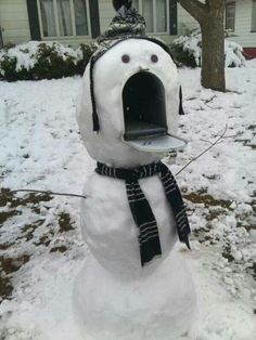 Ever tried making some snow sculptures in winter? If you have you can appreciate these 25 Photos of amazingly creative DIY snow sculptures. Funny Pictures With Captions, Picture Captions, Funny Photos, Funny Captions, Holiday Fun, Christmas Time, Xmas, Merry Christmas, Christmas Snowman