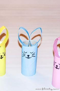 DIY Osterhasen aus Papierrollen in frühlinghaften Pastelltönen zum gemeinsamen Basteln mit Kindern. So kannst du schnell & einfach Osterdeko selber machen.