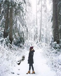 Fresh winter air and snow for days. Time to work off those holiday treats! Snow Photography, Mountain Photography, Photography Poses, Winter Mountain, Winter Cabin, Winter Songs, Graduation Photoshoot, Winter Pictures, Malm