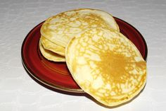 At breakfast, we love to eat pancakes or pancakes. Here is a light version made with fromage blanc… As a result, they are lighter in the mouth and the whole family is demanding this recipe from now on Pancakes Ww, Pancakes Leger, Keto Cream Cheese Pancakes, Banana Oatmeal Pancakes, Coconut Flour Pancakes, Pancake Cake, Cas, Weight Watchers Pancakes, Vegan Breakfast Recipes