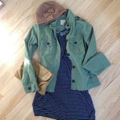Gap Women's Green Utility Jacket EUC - worn only a handful of times. Fits large for an XS, more of a S or M. Pockets at chest and sides. Button detailing on shoulders and at cuffs.          STYLED with: J. Crew Statement Necklace  -  Pins and Needles Bow Hat  - Yellow Floppy Clutch  - Gap Blue Stripe Strap Dress XS (comment for additional styled item purchasing info ✨) GAP Jackets & Coats Utility Jackets