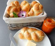 Domácí housky Bread Rolls, Pretzel Bites, Baguette, Muffin, Cooking, Breakfast, Ethnic Recipes, Food, Hana