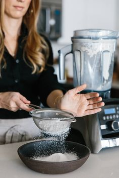 Learn how to make powdered sugar at home, with the sugar of your choice (including cane sugar, raw turbinado sugar, maple sugar or coconut sugar) by Downshiftology Gourmet Cooking, Cooking For Two, Cooking 101, Cooking Tools, Cooking Recipes, Vitamix Recipes, Blender Recipes, Vitamix Blender, Make Powdered Sugar