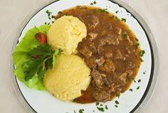 Mamaliga cu tocanita de porc Chana Masala, Cornbread, Ethnic Recipes, Pork, Millet Bread, Corn Bread