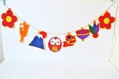 受注制作★再販★2017年干支★福・酉だるまのお正月ガーランド♪|ガーランド|naona|ハンドメイド通販・販売のCreema Diy Paper, Paper Crafts, Diy And Crafts, Arts And Crafts, Chinese Calendar, Asian Design, Class Decoration, Japan Art, Diy For Kids