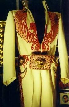 Elvis 1975 red phoenix suit with the second belt ( 1976 )
