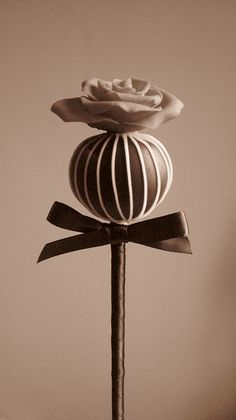 Bespoke cake pops by Cakes by Lyndsey, via Flickr