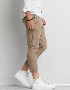 37e581aa1b1 AEO Extreme Flex Relaxed Cropped Chino