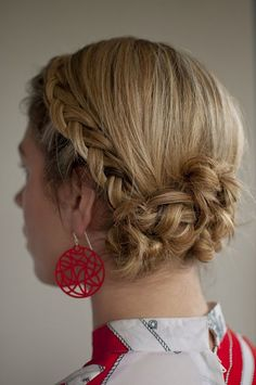 Day 4 of the Hair Romance Challenge - Backwards braided Twist & Pin chignon