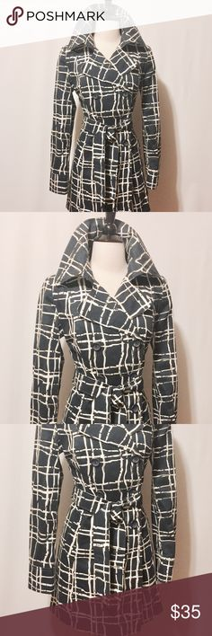 """⭐️ Navy & White Plaid Trench Coat Classic trench, double breasted, welted pockets, belt and back yoke. Fully lined. Amazing condition and great for a rainy day. 60% Cotton 40% Poly Lining 100% Polyester Machine Washable 36""""Chest 15"""" Shoulder 25""""Sleeve length 31""""Overall length #NC1101016 Merona Jackets & Coats Trench Coats"""