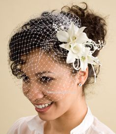 White Birdcage Veil with White Fascinator of Lilies & Orchids Black Wedding Hairstyles, Curly Wedding Hair, Prom Hair, Wedding Looks, Wedding Day, Wedding Tips, 50s Wedding, Wedding Veil, Spring Wedding