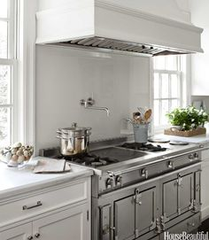 White Kitchen La Cornue Range Samantha Lyman In House Beautiful