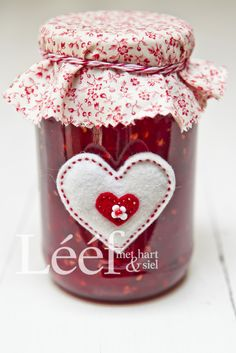 Fotograaf - Candice Askham Crafts To Make, Diy Crafts, Red Rooster, Jam Jar, Be My Valentine, Creative Gifts, So Little Time, Craft Gifts, Fabric Flowers