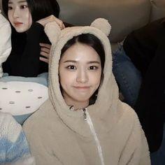 Yu Jin, Kpop Boy, Classy Outfits, Winter Hats, Girly, Shit Happens, Cute, Icons, Softies
