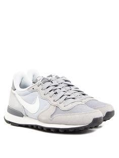 Die Nike Internationalist für Frauen - super bequem & total im Trend! € 89,90