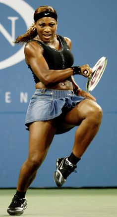 Serena Williams' yellow, crop-top dress was a fashion dud at ...