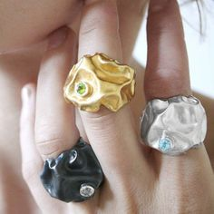 Gniot ring black with topaz