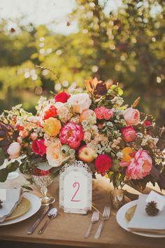 Table center piece idea, wedding theme: fall in love