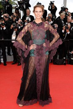 Best Red Carpet Looks at the 2014 Cannes Film Festival - Karlie Kloss in Valentino #fashion