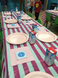 Great idea for kids birthday parties. Kids can clean hands with a safe, simple, natural wipe instead of waiting in line for the sink or using alcohol hand sanitizer. Parties Kids, Birthday Parties, Hand Sanitizer, Keep It Cleaner, Waiting, Essential Oils, Sink, Alcohol, Hands