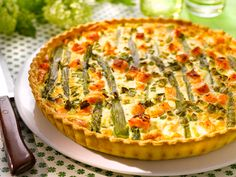 Quiche aux asperges et au saumon frais  http://dlhz.be/1hW75bX